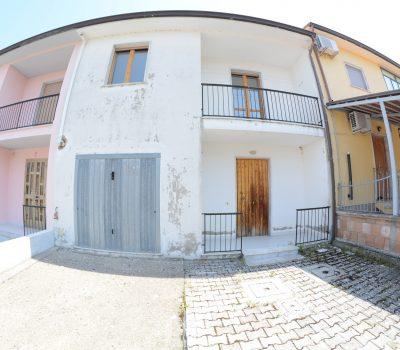 Casa con giardino a Conza della Campania 2128