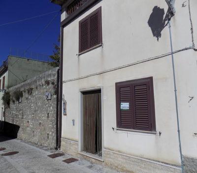 Casa con giardino a Morra De Sanctis 1829