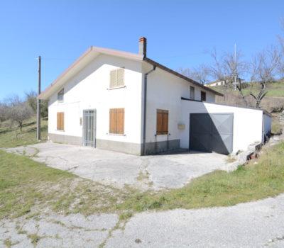 Casa indipendente a Rocca San Felice 2073