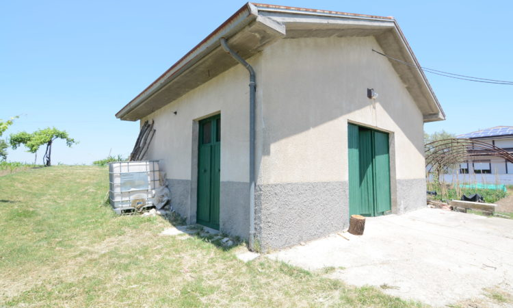 Deposito con terreno edificabile a Torella Dei Lombardi 2208 - Tutte le immagini