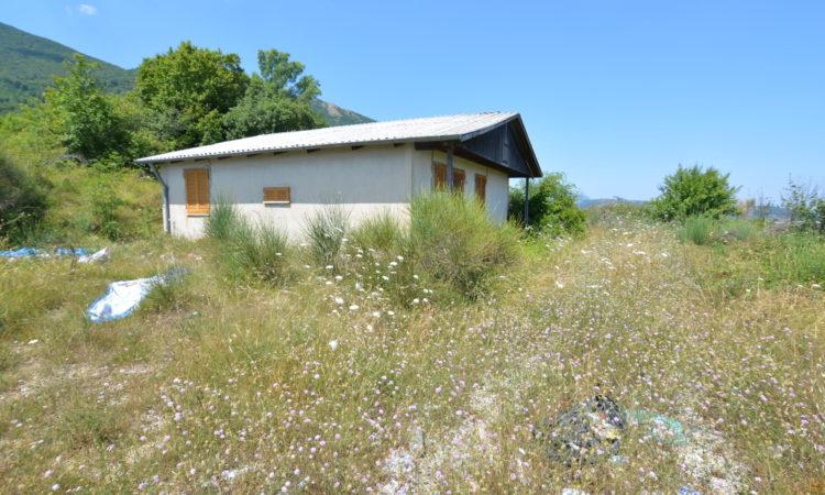 Casa prefabbricata in legno con terreno a Lioni 2325 - Tutte le immagini