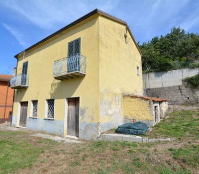 Casa con giardino a Sant'Angelo Dei lombardi 2333