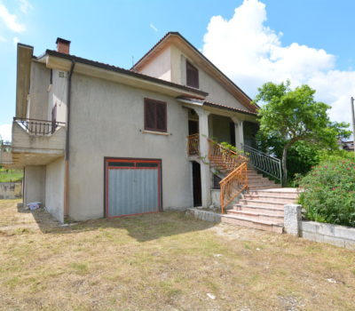 Casa indipendente a Sant'Angelo Dei Lombardi 2437