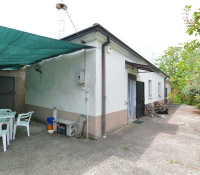 Casa indipendente con terreno a Nusco 2441
