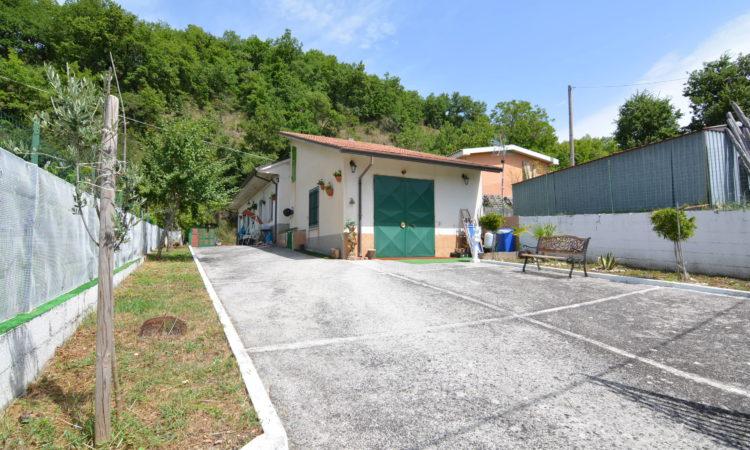 Casa indipendente a Sant'Angelo Dei Lombardi 1609 - Tutte le immagini