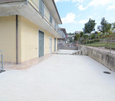 Appartamento con garage a Teora  2383