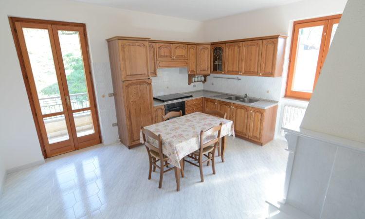 Casa indipendente a Castelfranci 2361 - Tutte le immagini
