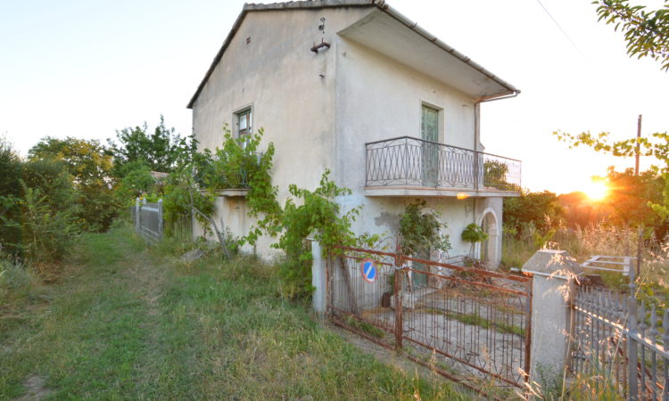 Due case con terreno a Rocca San Felice 2482 - Tutte le immagini
