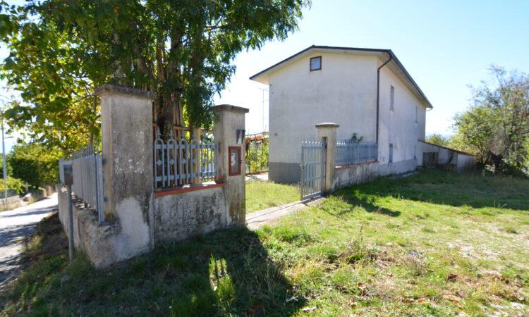 Casolare con terreno a Sant'Angelo dei Lombardi 2499 - Tutte le immagini