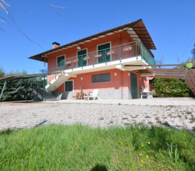 Casa con giardino a Sant'Angelo dei Lombardi 2511