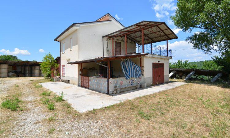 Casa con terreno a Torella dei Lombardi 1553 - Tutte le immagini