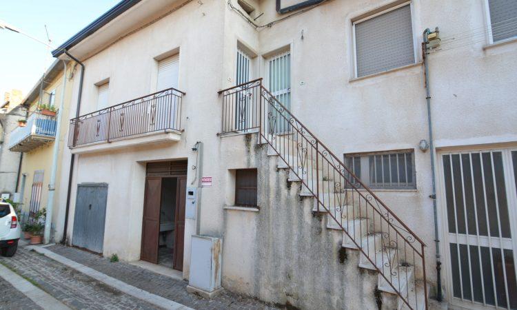 Casa con box auto a Villamaina 133 - Tutte le immagini