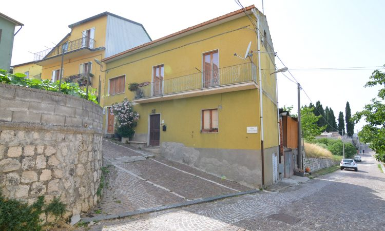 Casa a Castelvetere sul Calore 2524 - Tutte le immagini
