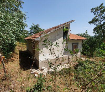 Casa indipendente con 16.720 mq di terreno a Teora 2528