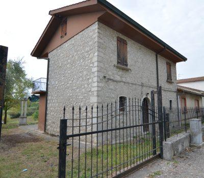 Rustico in pietra a Torella dei Lombardi 2537